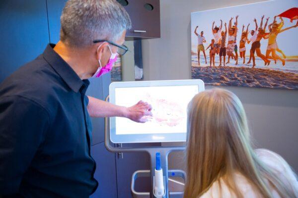 Doctor Candids Oceans Edge Orthodontics 2020 Nanaimo Canada Orthodontist 24 600x400 - Home