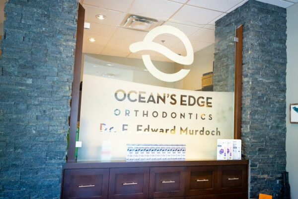 Office Interior Oceans Edge Orthodontics 2020 Nanaimo Canada Orthodontist 15 600x400 - Tour Our Offices